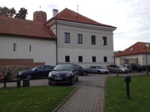 museum parking 5 +