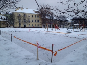 2012-12-16 skalda Rūdninkų skvere