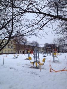 2012-12-20 streniruoklių montavimas Rūdninkų skvere