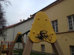 2013 lapkričio 12 vandalizmas Sirvydo skvere