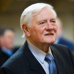 V. Adamkus išreiškė susirūpinimą dėl statybų šalia Misionieriųvienuolyno